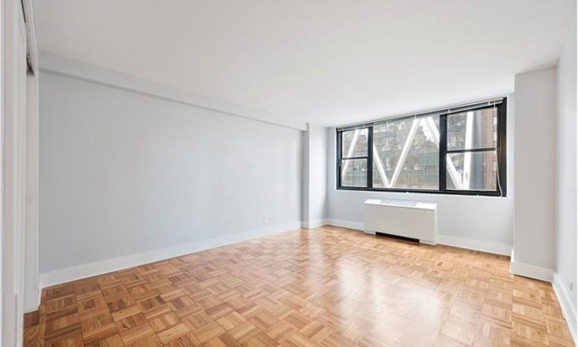 1 Bedroom, Hell's Kitchen Rental in NYC for $4,200 - Photo 2