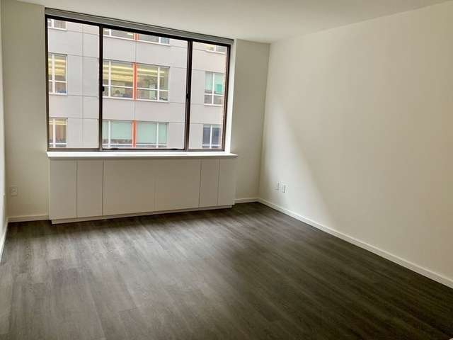 2 Bedrooms, Hell's Kitchen Rental in NYC for $5,080 - Photo 2