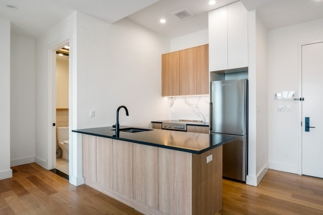 2 Bedrooms, Greenpoint Rental in NYC for $4,400 - Photo 2