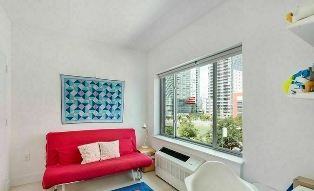 3 Bedrooms, Hunters Point Rental in NYC for $6,000 - Photo 2