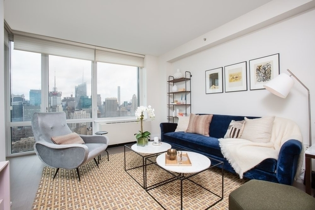 3 Bedrooms, Chelsea Rental in NYC for $8,143 - Photo 2