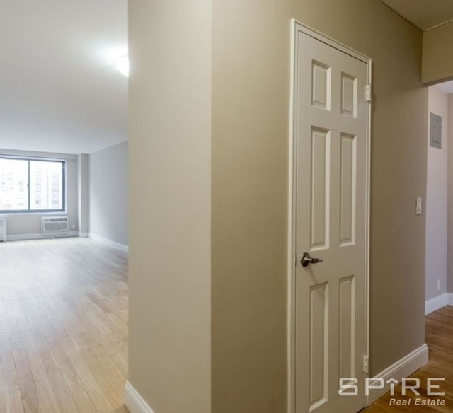 Studio, Manhattan Valley Rental in NYC for $2,889 - Photo 2