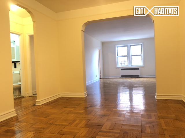 1 Bedroom, Forest Hills Rental in NYC for $2,200 - Photo 2