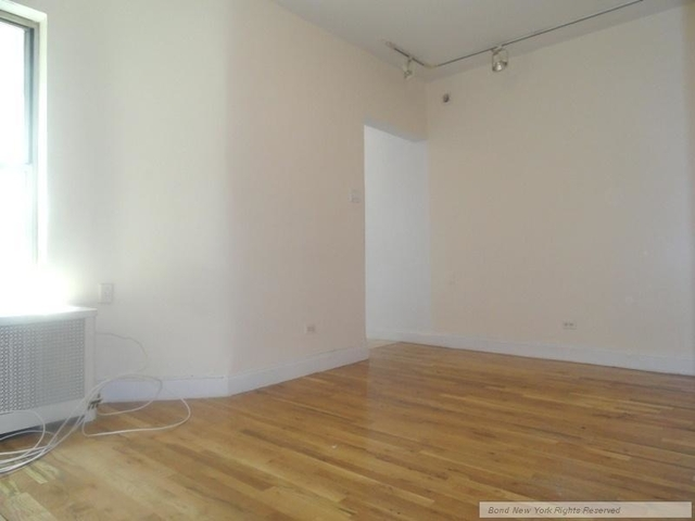 2 Bedrooms, Hell's Kitchen Rental in NYC for $3,170 - Photo 2