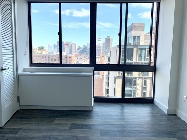 2 Bedrooms, Hell's Kitchen Rental in NYC for $4,360 - Photo 2