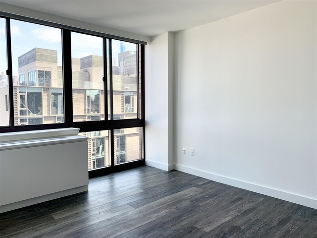 2 Bedrooms, Hell's Kitchen Rental in NYC for $4,360 - Photo 1