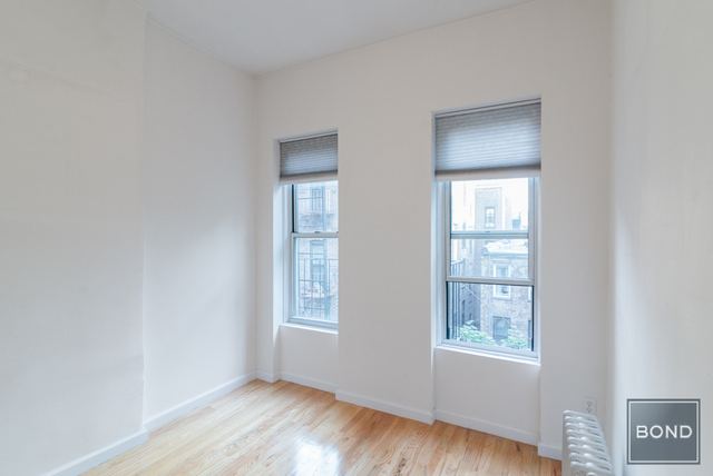 3 Bedrooms, Yorkville Rental in NYC for $3,849 - Photo 2