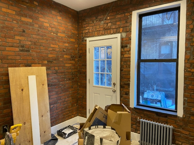 3 Bedrooms, Hell's Kitchen Rental in NYC for $4,470 - Photo 2