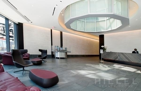 2 Bedrooms, Hunters Point Rental in NYC for $4,577 - Photo 2