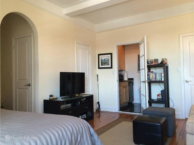 Studio, East Village Rental in NYC for $3,025 - Photo 2