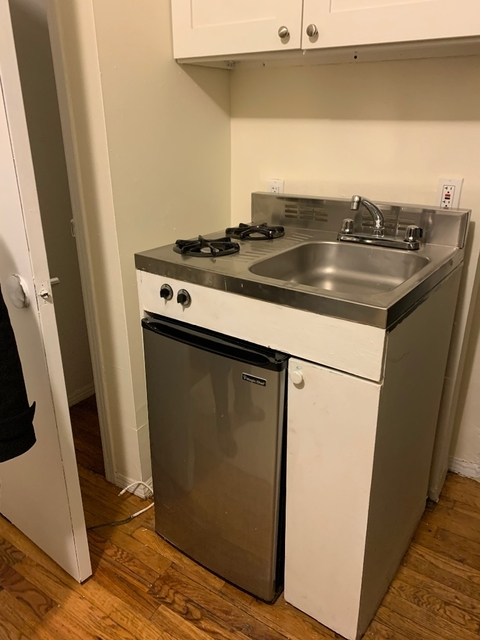Studio, Lincoln Square Rental in NYC for $1,625 - Photo 2