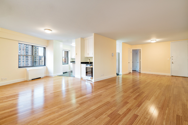 2 Bedrooms, Lincoln Square Rental in NYC for $4,575 - Photo 2