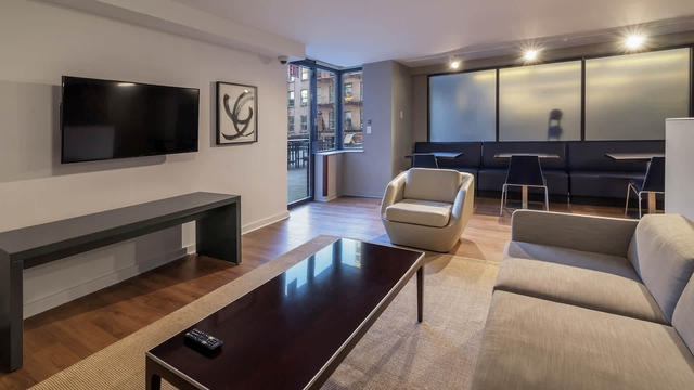 Studio, Hell's Kitchen Rental in NYC for $3,032 - Photo 2