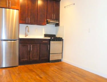 2 Bedrooms, Prospect Heights Rental in NYC for $2,399 - Photo 2