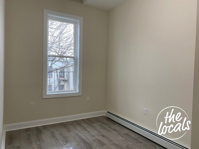 Room, Bushwick Rental in NYC for $1,075 - Photo 2