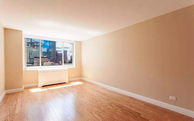 Studio, Lincoln Square Rental in NYC for $3,250 - Photo 2
