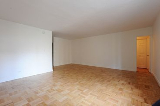 Studio, Yorkville Rental in NYC for $2,825 - Photo 2