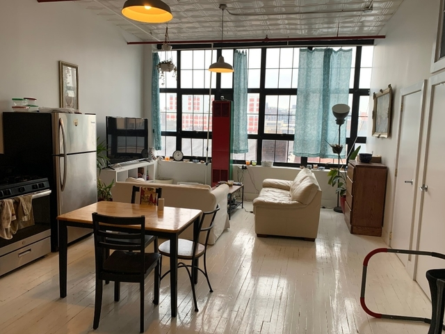 3 Bedrooms, East Williamsburg Rental in NYC for $3,529 - Photo 2