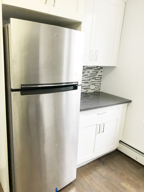 3 Bedrooms, Laconia Rental in NYC for $2,350 - Photo 2