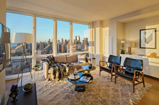 2 Bedrooms, Hell's Kitchen Rental in NYC for $6,646 - Photo 2