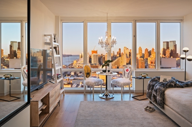 2 Bedrooms, Hell's Kitchen Rental in NYC for $6,462 - Photo 2