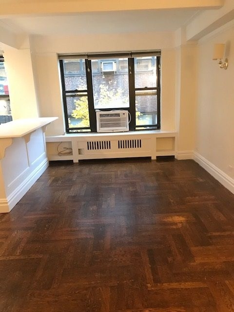 1 Bedroom, Carnegie Hill Rental in NYC for $3,600 - Photo 2