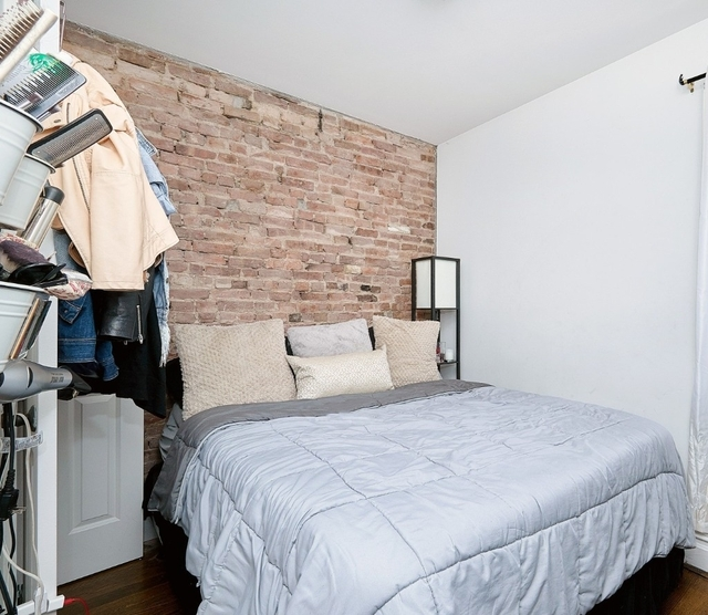3 Bedrooms, Alphabet City Rental in NYC for $4,475 - Photo 2