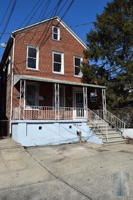 2 Bedrooms, Laconia Rental in NYC for $2,350 - Photo 1