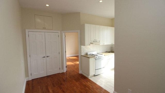 1 Bedroom, Greenpoint Rental in NYC for $2,050 - Photo 2
