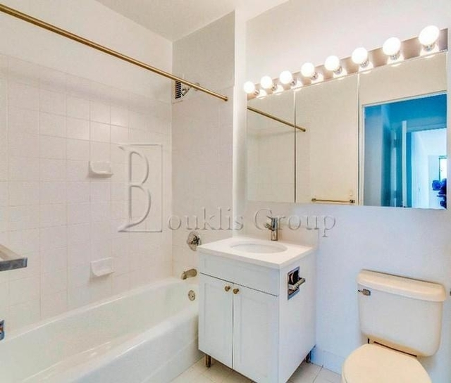 1 Bedroom, Battery Park City Rental in NYC for $3,875 - Photo 2