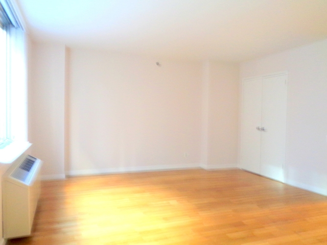 1 Bedroom, Chelsea Rental in NYC for $4,485 - Photo 2