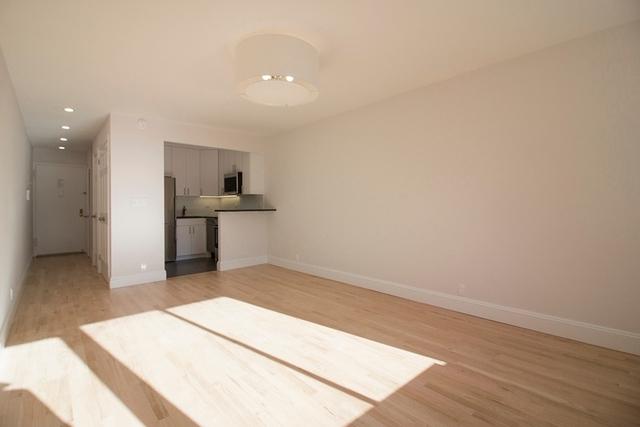 Studio, Yorkville Rental in NYC for $2,695 - Photo 2