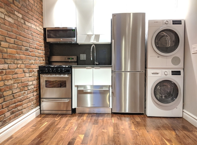 1 Bedroom, Alphabet City Rental in NYC for $2,769 - Photo 2
