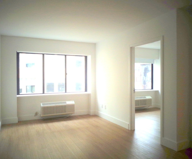 1 Bedroom, Chelsea Rental in NYC for $5,650 - Photo 2