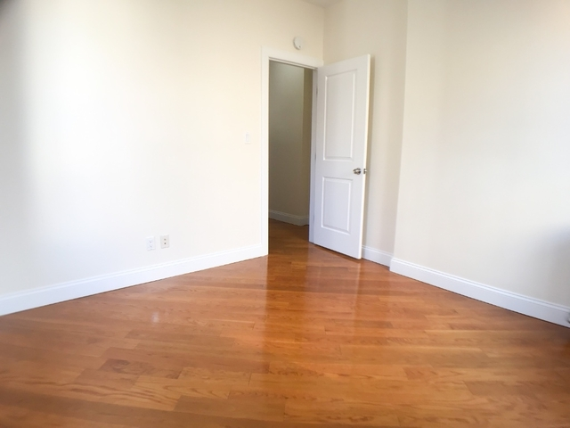 1 Bedroom, West Village Rental in NYC for $3,200 - Photo 2