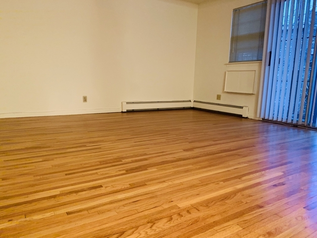 3 Bedrooms, Woodside Rental in NYC for $2,450 - Photo 2