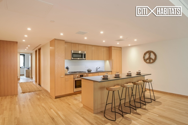 2 Bedrooms, SoHo Rental in NYC for $11,495 - Photo 2