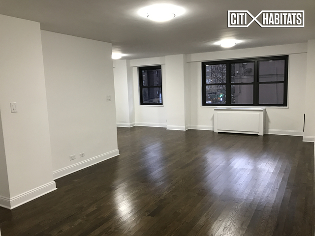2 Bedrooms, Gramercy Park Rental in NYC for $6,738 - Photo 2