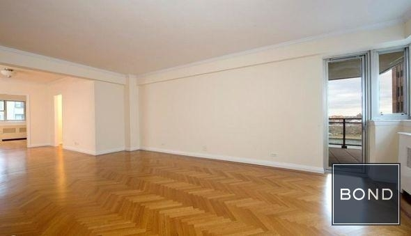 4 Bedrooms, Yorkville Rental in NYC for $13,695 - Photo 2