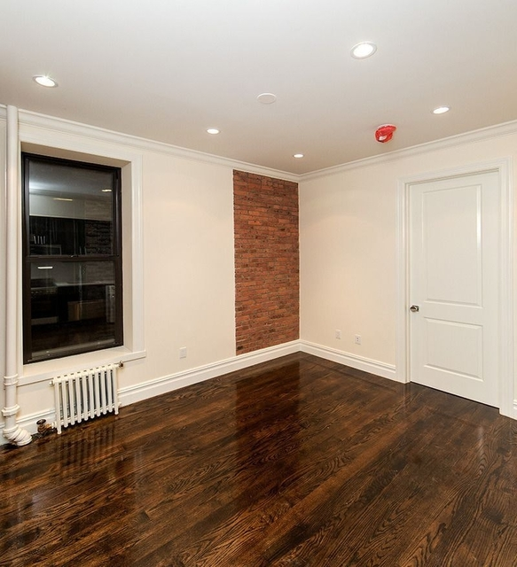3 Bedrooms, Hell's Kitchen Rental in NYC for $4,455 - Photo 2