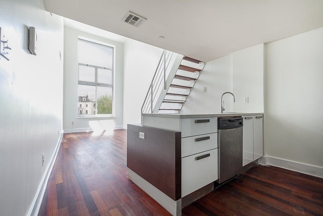 3 Bedrooms, East Williamsburg Rental in NYC for $4,072 - Photo 1