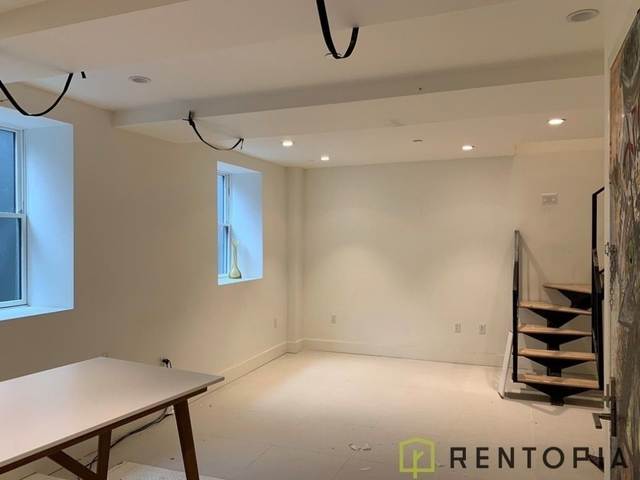 1 Bedroom, Greenpoint Rental in NYC for $3,000 - Photo 1