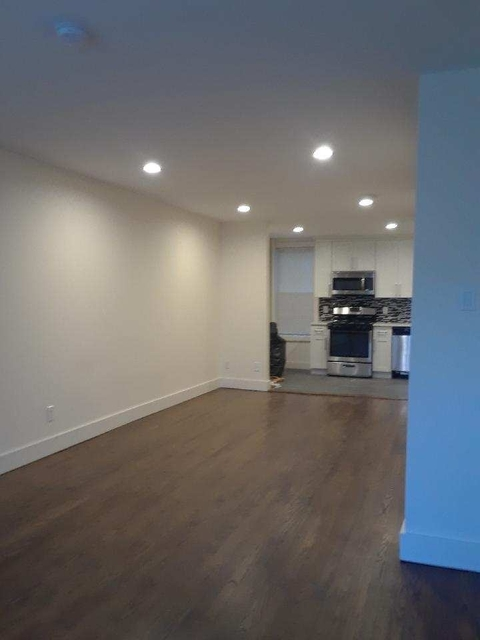 2 Bedrooms, Woodside Rental in NYC for $2,800 - Photo 2