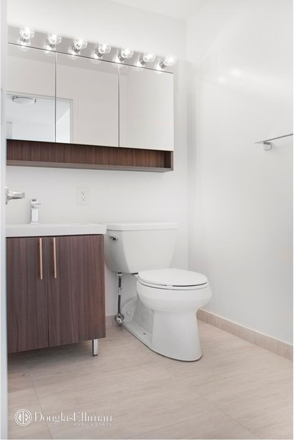 2 Bedrooms, Financial District Rental in NYC for $5,538 - Photo 2