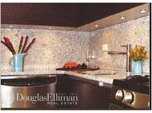 2 Bedrooms, Upper East Side Rental in NYC for $5,340 - Photo 2