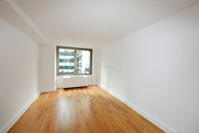 2 Bedrooms, Theater District Rental in NYC for $5,295 - Photo 2