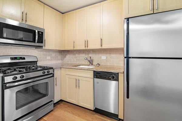 1 Bedroom, Upper West Side Rental in NYC for $3,621 - Photo 2