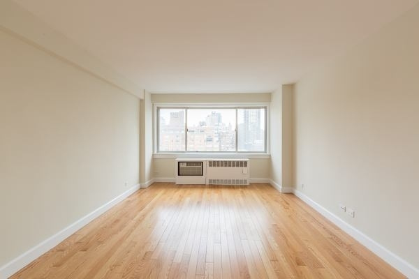1 Bedroom, Theater District Rental in NYC for $5,340 - Photo 1
