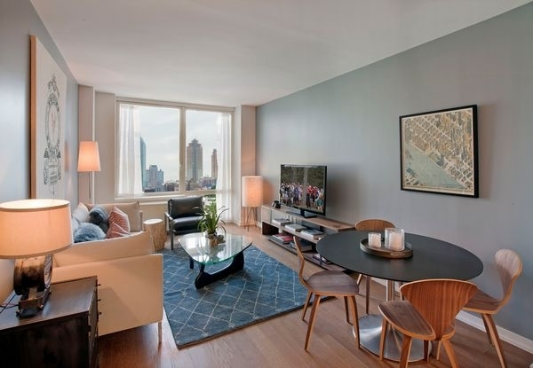 1 Bedroom, Hunters Point Rental in NYC for $2,738 - Photo 1