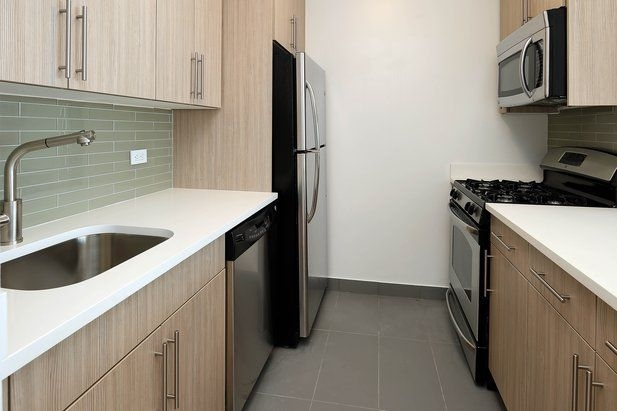 Studio, Financial District Rental in NYC for $2,954 - Photo 2